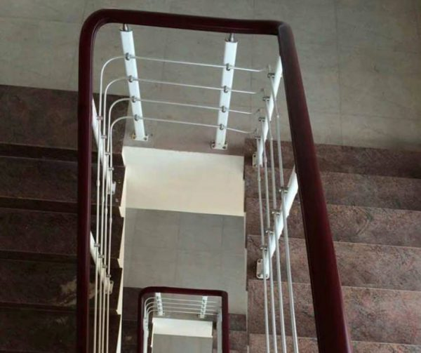 Cầu thang inox cao cấp giá rẻ