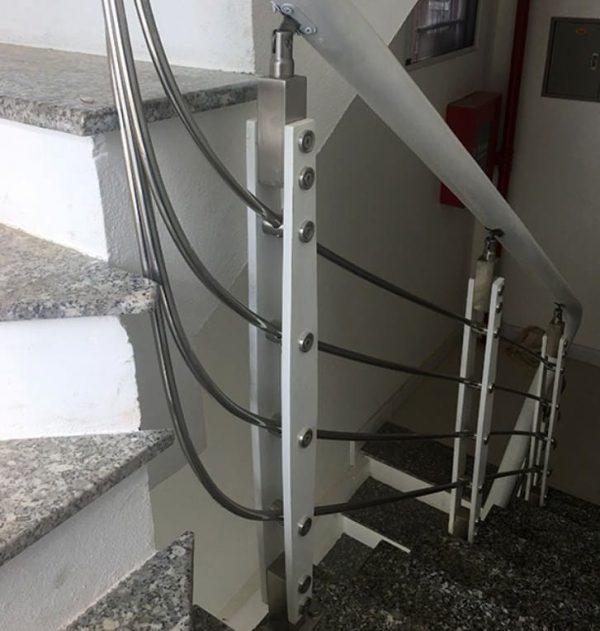Bảng giá cầu thang inox
