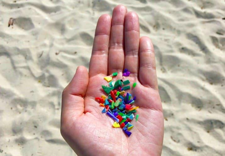 Microplastic là gì ? Ảnh hưởng như thế nào đến con người và môi trường